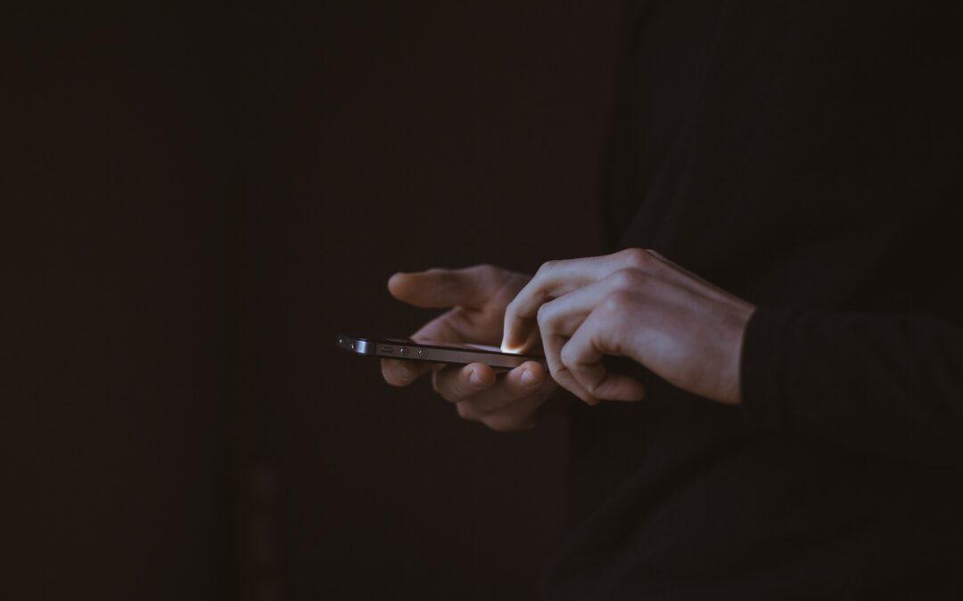 Il lato oscuro dei Social Network : manipolazione e polarizzazione nelle società odierne